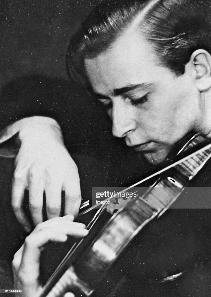 The German violinist Wilhelm Stross (1907-1966). 1934. Photograph. (Photo by Imagno/Getty Images) Der deutsche Geiger Wilhelm Stross (19071966). 1934. Photographie.