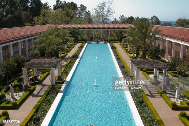 the getty villa, malibu. - getty villa foto e immagini stock