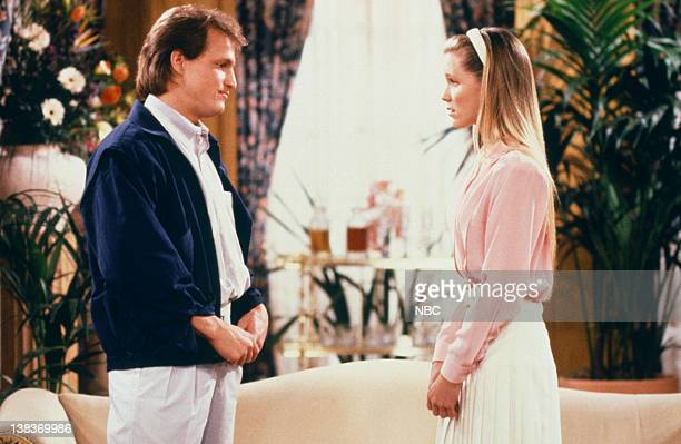 CHEERS The Gift of the Woodi Episode 19 Air Date Pictured Woody Harrelson as Woody Boyd Jackie Swanson as Kelly Gaines