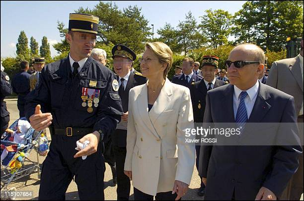The GIGN celebrates its 30 years in Satory France on June 15 2004 Michele AlliotMarie Minister for Defense