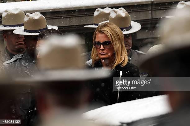 The girlfriend of New York Gov Andrew Cuomo Sandra Lee walks into St Ignatius Loyola Church for the funeral of former threeterm governor Mario Cuomo...