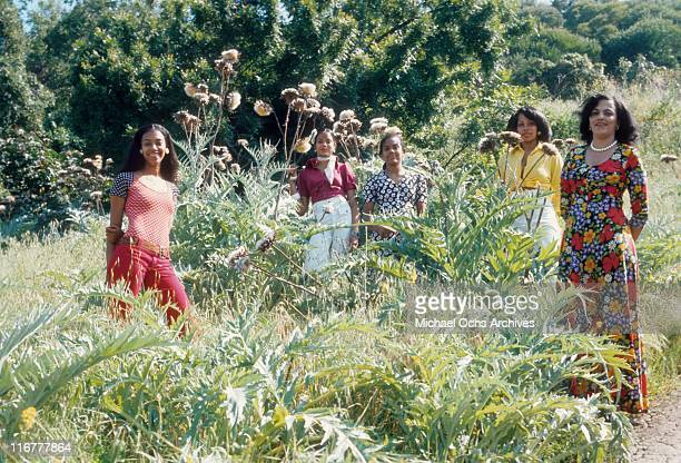 The girls of R and B group The Sylvers pose for a portrait with their mother in May 1974 in Los Angeles California
