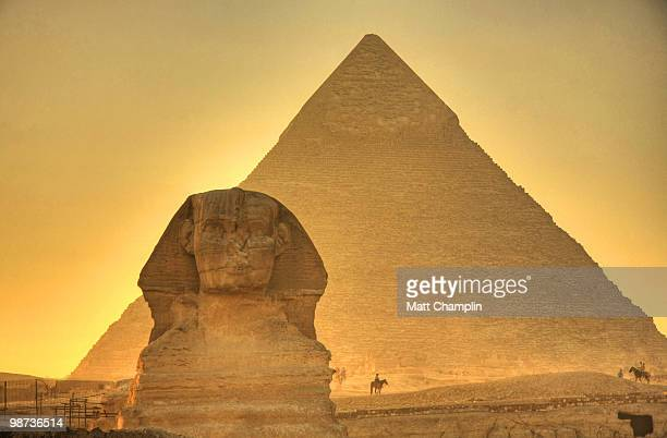 the giza sphinx at sunset - giza pyramids stock pictures, royalty-free photos & images