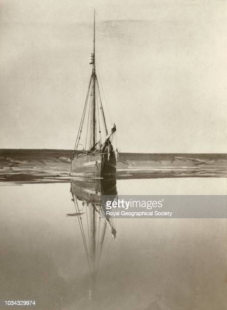 The 'Gjøa' in summer Gjoahaven King William Land The aim of this expedition was to make the first complete journey through the Northwest Passage and...