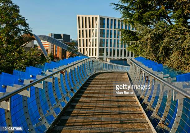 the glass bridge in the redeveloped heart of coventry city - coventry stock pictures, royalty-free photos & images