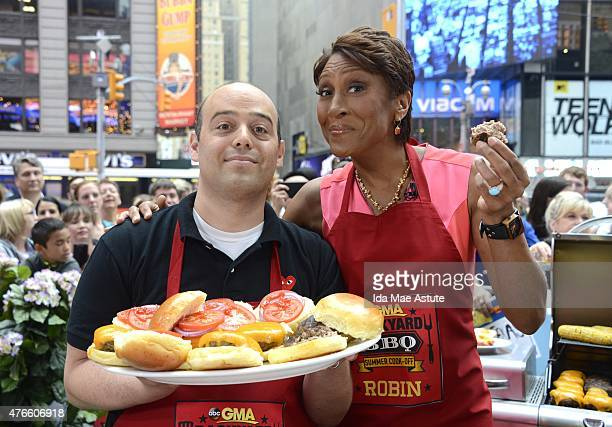 AMERICA The GMA team competes in a Backyard BBQ Cook Off on GOOD MORNING AMERICA 6/9/15 airing on the Walt Disney Television via Getty Images...