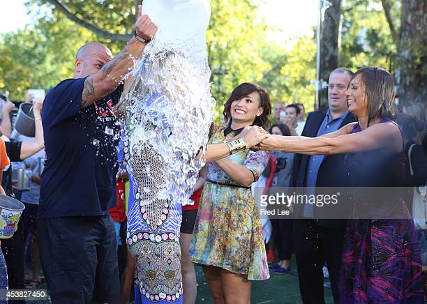 AMERICA The GMA team took the Ice Bucket Challenge promoting awareness of ALS on GOOD MORNING AMERICA 8/15/14 airing on the ABC Television Network...