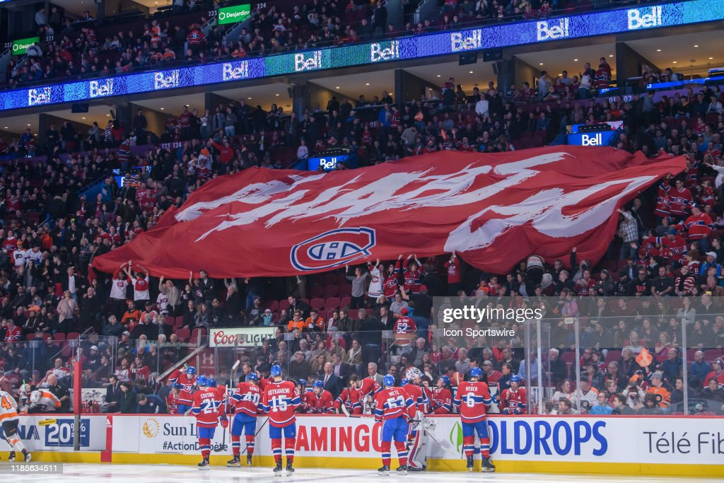 NHL: NOV 30 Flyers at Canadiens : News Photo
