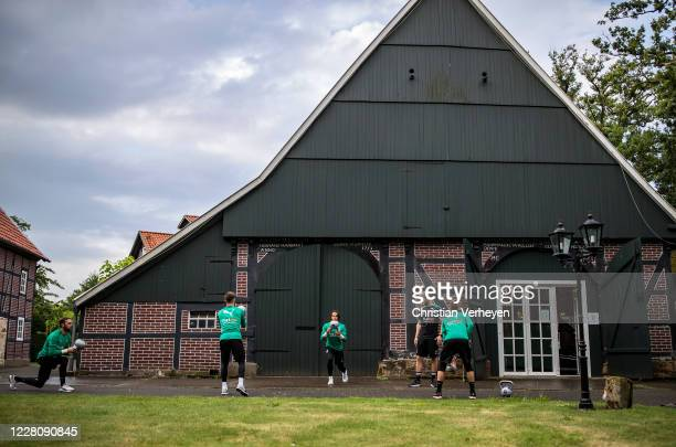 The goalkeeper in action during a training session at the Borussia Moenchengladbach training camp at Klosterpforte on August 18, 2020 in Marienfeld,...