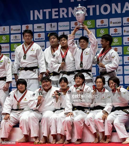 The gold medal winning Japanese combined team including Funa Tonaki Ai Shishime Tsukasa Yoshida Chizuru Arai Mami Umeki Sarah Asahina Hisayoshi...