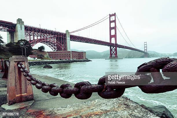 the golden gate bridge and san francisco bay, california - robb reece stockfoto's en -beelden