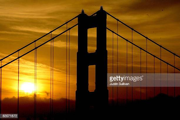 The Golden Gate Bridge is seen January 27 2005 in San Francisco A controversial film made by moviemaker Eric Steel documenting people committing...