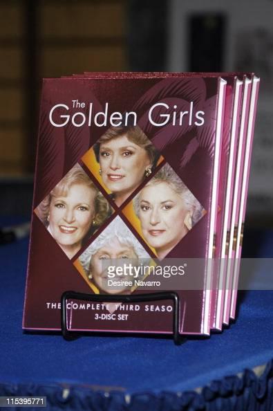 Season 3 Signing at Barnes and Noble - November 22,2005 at ...