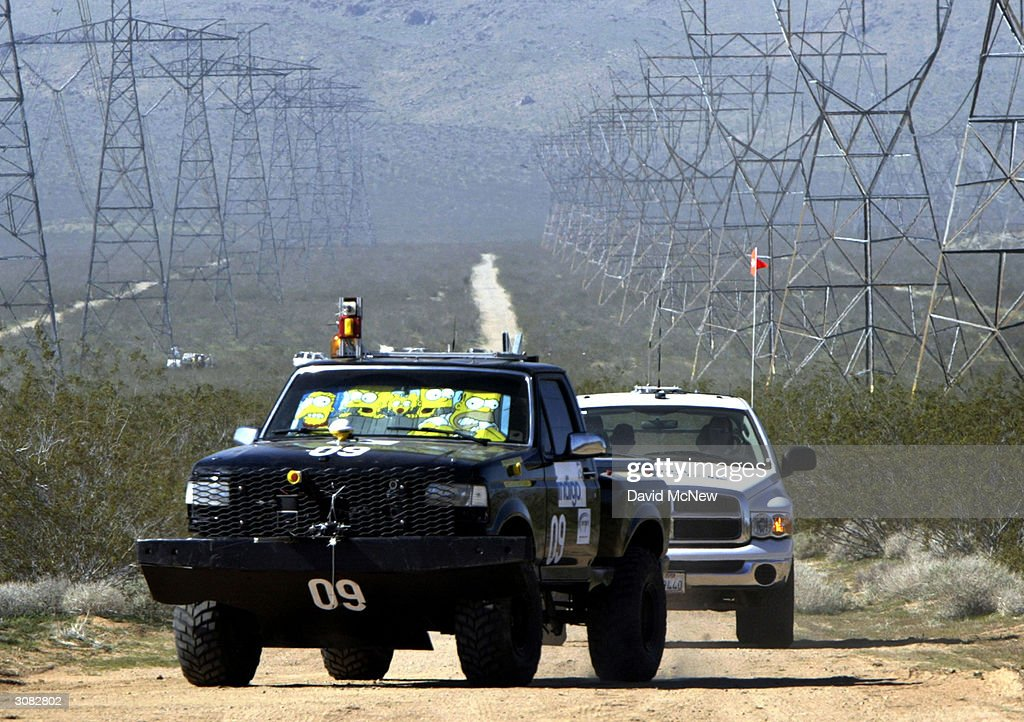 "DARPA Grand Challenge Says ""Look Mom, No Driver"" : News Photo"
