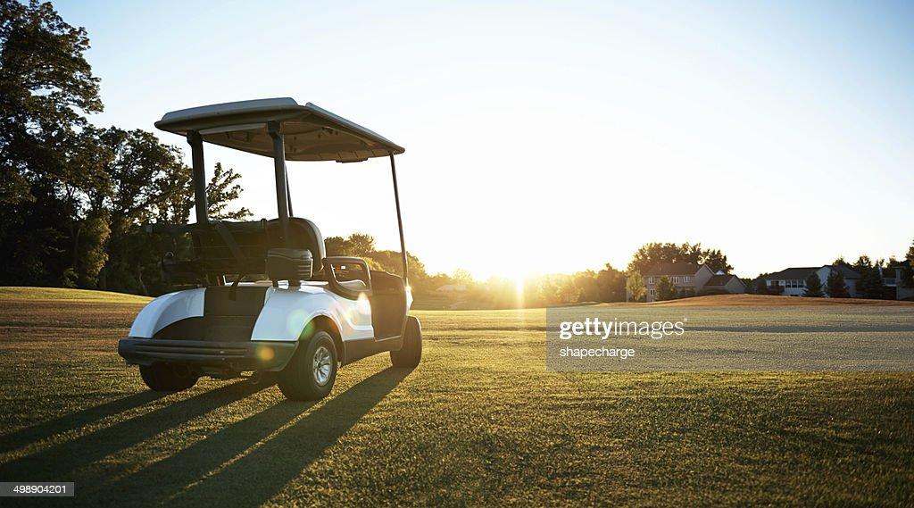 ゴルフカートに乗る際のポイント