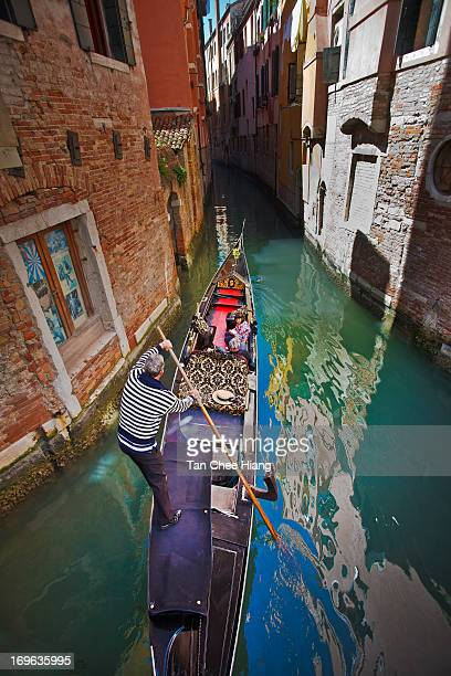 CONTENT] The gondola is a traditional flatbottomed Venetian rowing boat well suited to the conditions of the Venetian lagoon For centuries gondolas...