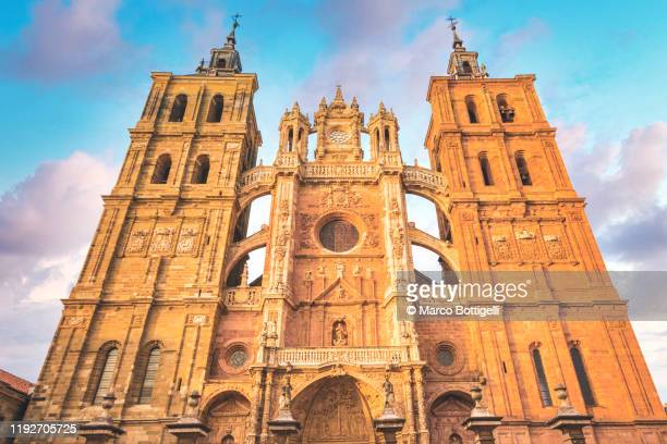 the gothic facade of the cathedral of astorga, spain - catholicism stock pictures, royalty-free photos & images