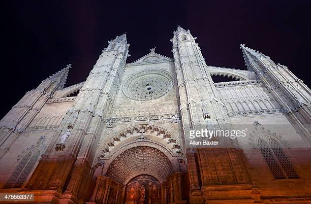 The Gothic Palma cathedral at night