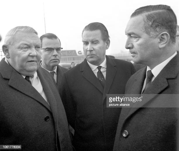The governmental delegation, consisting of German Head of State Heinrich Lübke , Chancellor Ludwig Erhard , federal chief press officer and state...