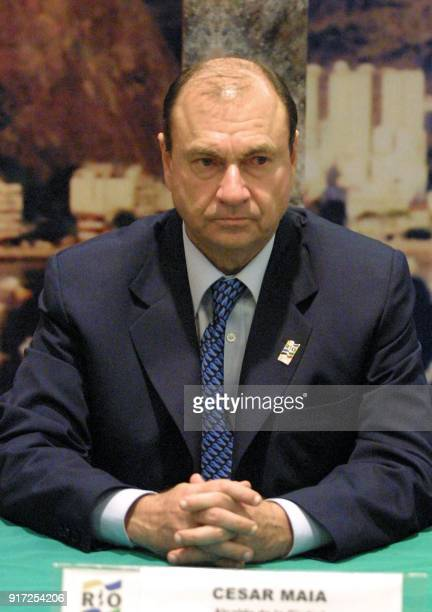 The Governor of Rio de Janeiro Cesar Maia gives a press conference in a hotel in Mexico City 23 August 2002 where the General Assembly of the ODEPA...