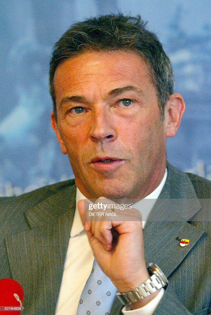 The governor of the Austrian province of : News Photo