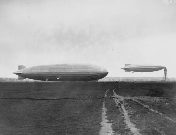 Zeppelin And R100 Wall Art