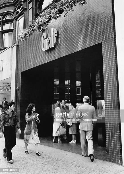 The Graff Diamonds shop in Knightsbridge London the scene of a robbery in which jewellery valued at 15 million pounds was stolen 11th September 1980...