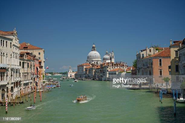 the grand canal viewed from the accademia bridge - hugh threlfall stock pictures, royalty-free photos & images