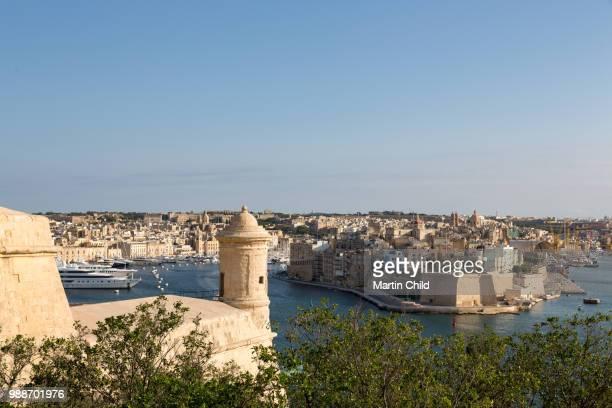 the grand harbour in valletta, unesco world heritage site and european capital of culture 2018, valletta, malta, mediterranean, europe - ユネスコ ストックフォトと画像