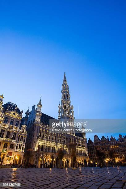 the grand place in brussels, belgium - グランプラス ストックフォトと画像
