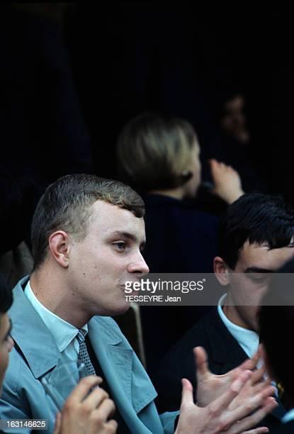 The Grandson Of De Gaulle Takes The Bac A Paris Charles DE GAULLE petitfils du général de profil en imperméable parlant en faisant des gestes