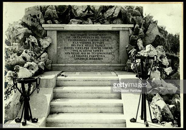 PHOTOCINEMATOGRAPHIC DEPARTMENT OF THE ROYAL ITALIAN ARMY The gravestone dictated by Gabriele D¨Annunzio for the victims of Gradisca Italy 1918...
