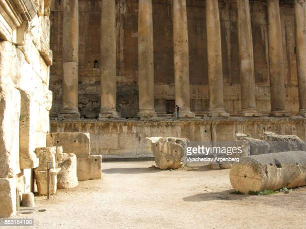 the great court of ancient heliopolis's temple complex, baalbek - argenberg stock pictures, royalty-free photos & images
