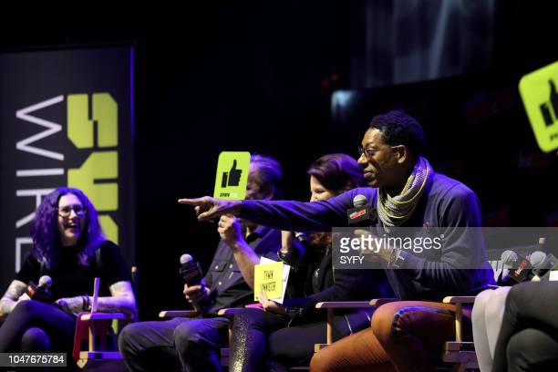 CON 'The Great Debate' Pictured Mallory O'Meara Jimmy Palmiotti Amanda Connor Orlando Jones
