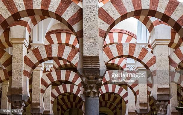 the great mosque of cordoba - mesquita imagens e fotografias de stock