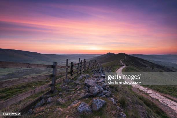 the great ridge sunrise, castleton, peak district. uk - morning stock pictures, royalty-free photos & images