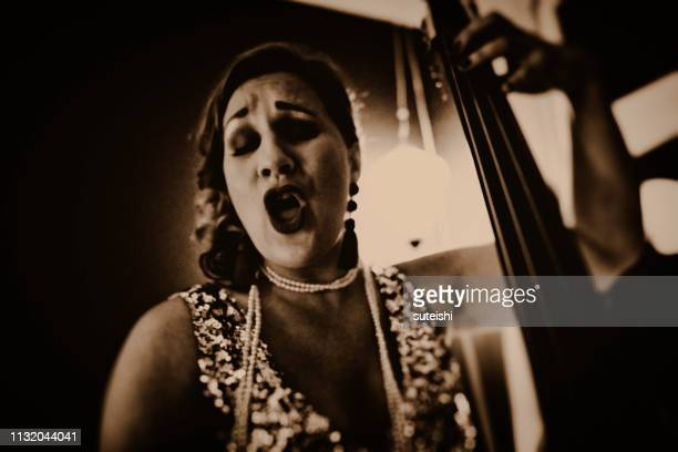 the great singer - jazz music 1920s stock photos and pictures