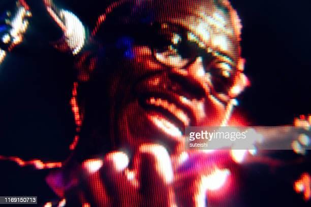 der große sänger - soul, jazz und funk - television show stock-fotos und bilder