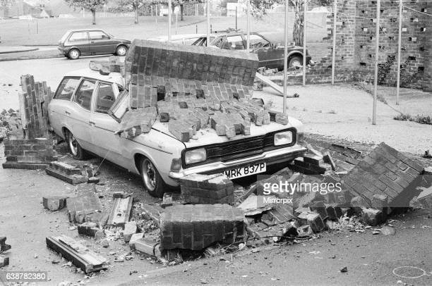 The Great Storm October 1987, storm damage Southcote, Reading, Berkshire, England, 16th October 1987. The 1987 Great Storm occurred on the night of...