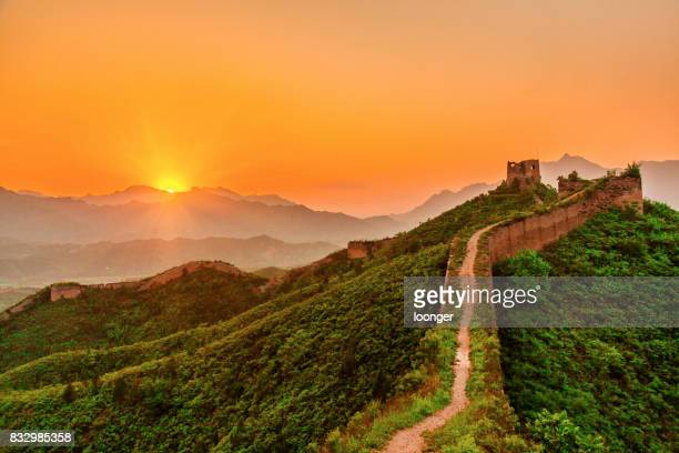 the great wall at sunset, peking, china - chinesische kultur stock-fotos und bilder