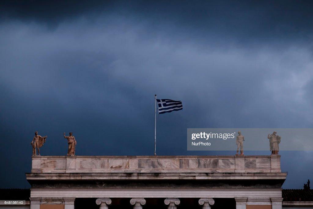 Greek Flag In Athens : ニュース写真