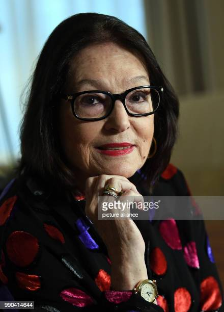 The Greek singer Nana Mouskouri photographed during an interview in Berlin, Germany, 12 January 2018. Photo: Britta Pedersen/dpa