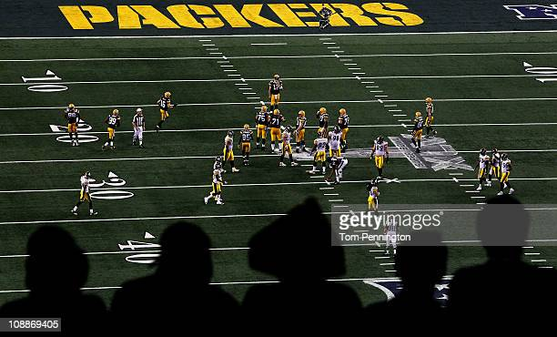 The Green Bay Packers play the Pittsburgh Steelers during Super Bowl XLV at Cowboys Stadium on February 6, 2011 in Arlington, Texas.
