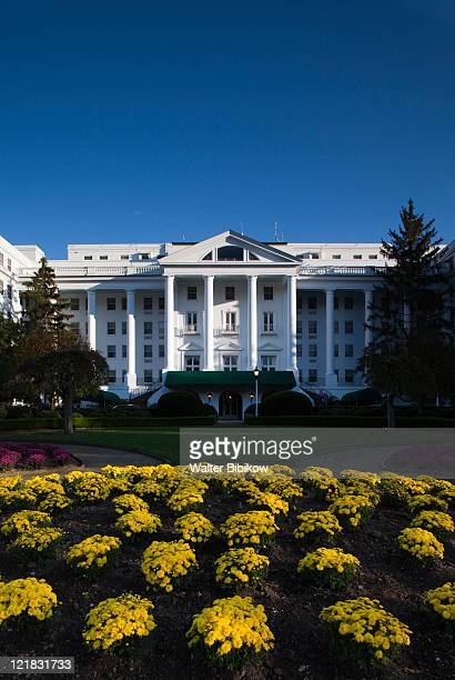 the greenbrier resort, white sulphur springs, west virginia, usa - protohistory_of_west_virginia stock pictures, royalty-free photos & images