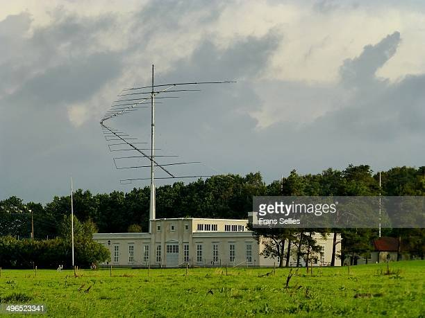 CONTENT] The Grimeton VLF transmitter is a VLF transmission facility at Grimeton close to Varberg Sweden It has the only working Alexanderson...
