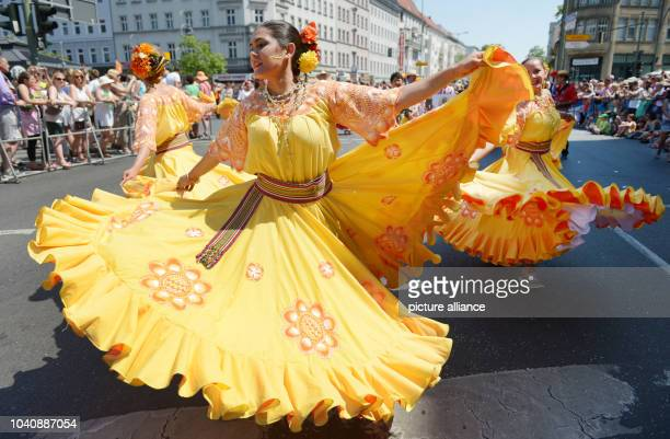 The group 'Aspa Asociacion Paraguayos en Alemania' at the street parade during the Carnival of Cultures in Berlin Germany 08 June 2014 According to...