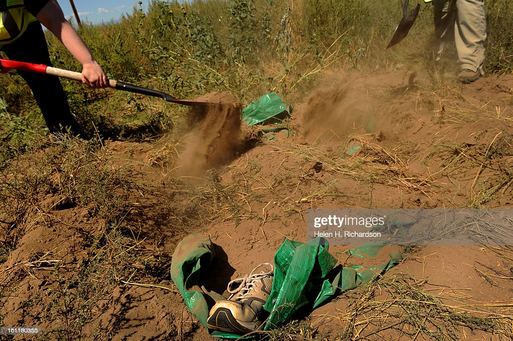 The Group Covers The Crime Scene With Dirt They Intentionally Left News Photo Getty Images