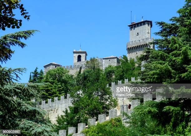 the guaita tower, one of the three towers of san marino - frans sellies stock pictures, royalty-free photos & images