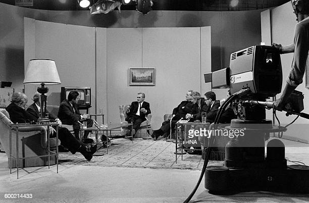 The guests on the set of the 'Features of the screen' presented by Alain Jérôme Miguel Angel Asturias Théo Weimer Jean François Denisse Lord Pezeril...