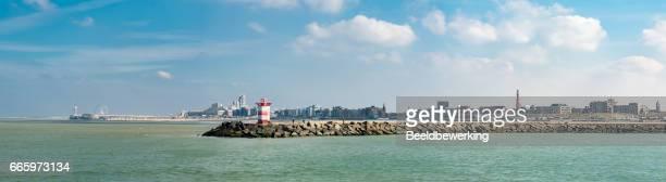 het haagse strand en haven-panorama - den haag stockfoto's en -beelden